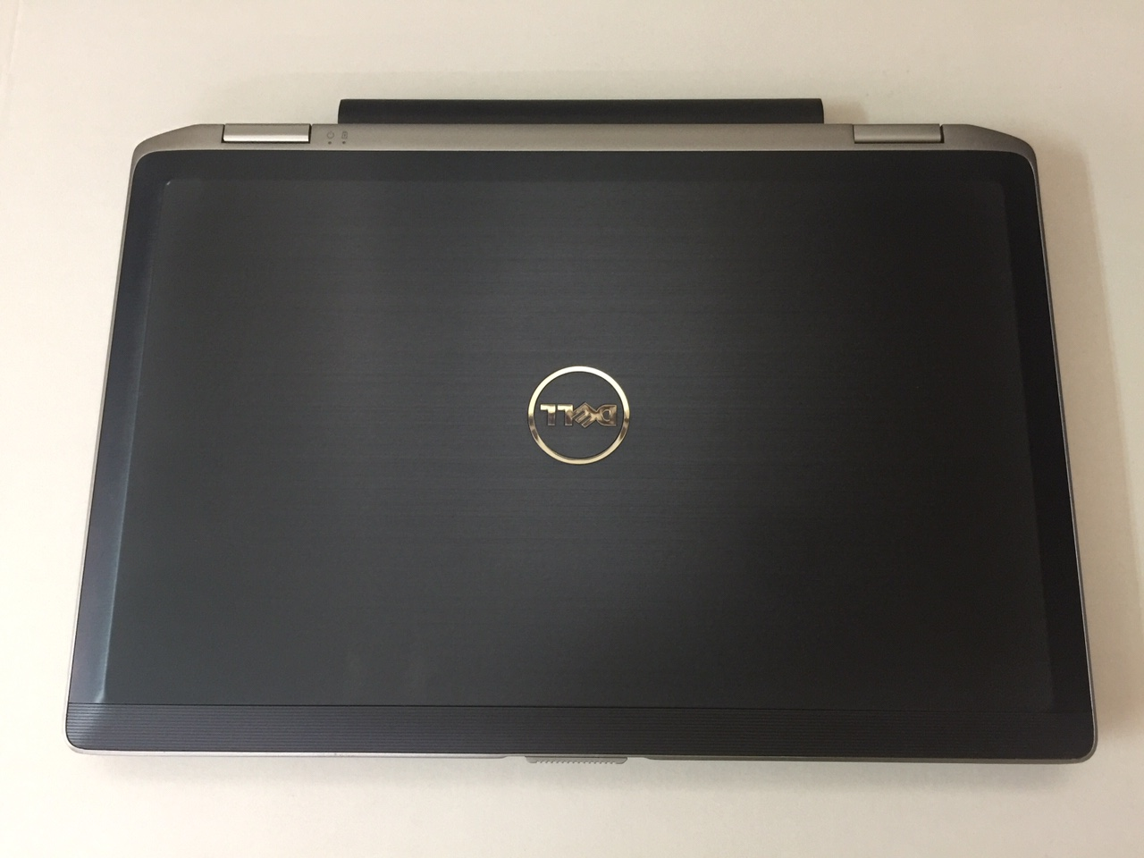 DELL LATITUDE E5520 I7 2640M 4GB 320GB 15.6